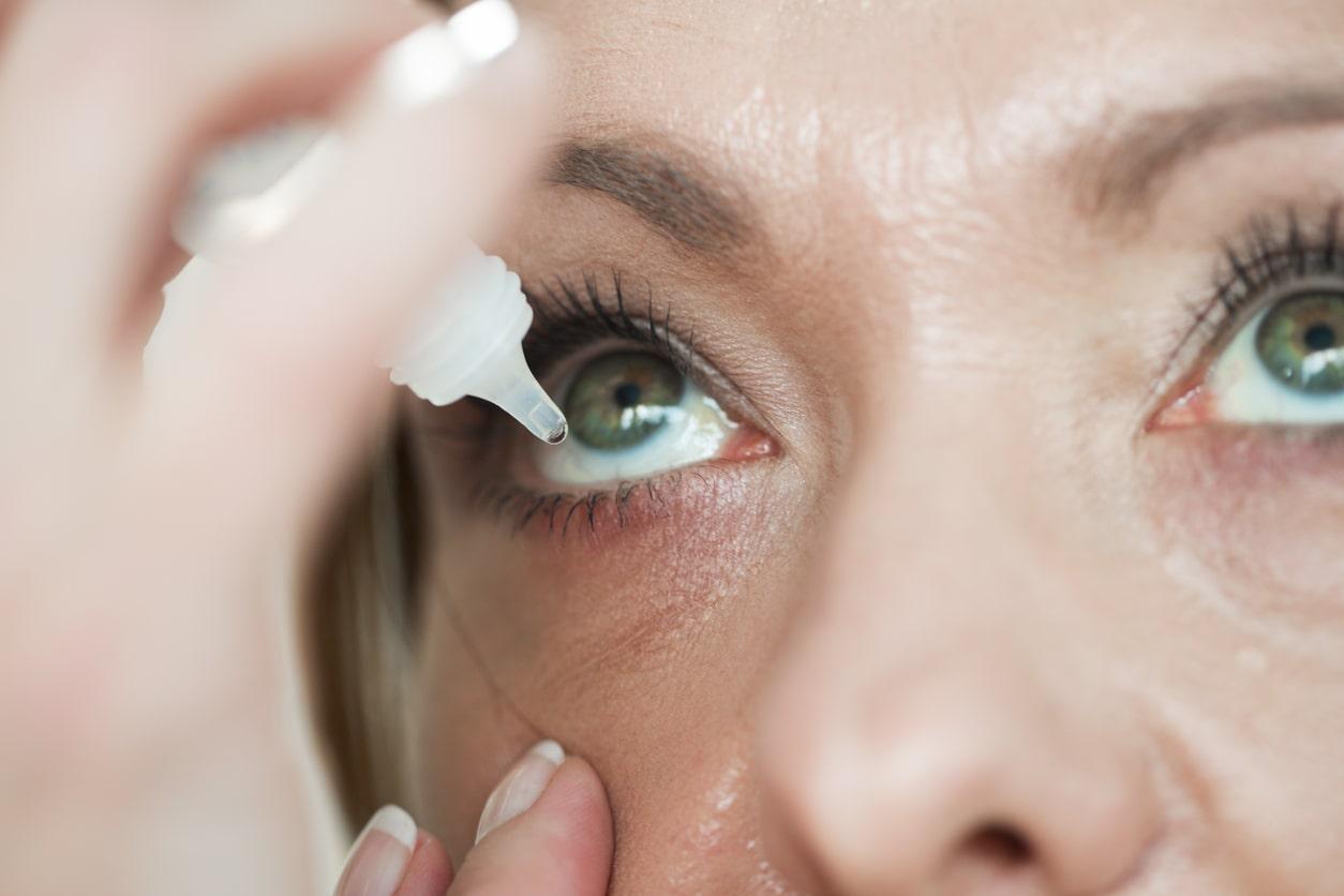 Síndrome do olho seco: sintomas, causas e tratamento