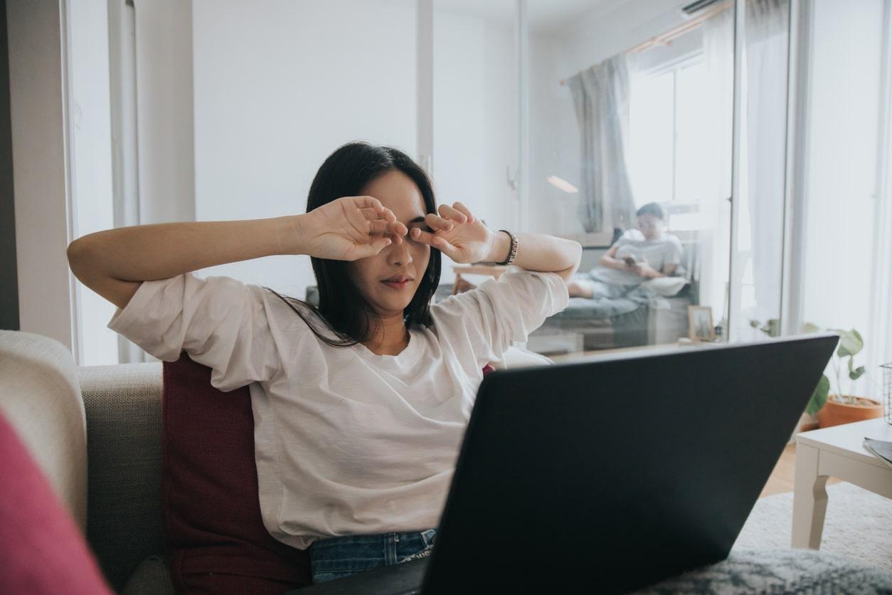 Dor nas vistas com uso do computador, como resolver?